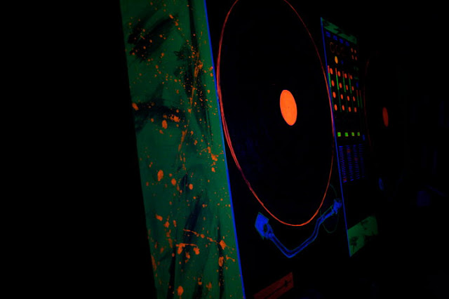 Blacklight DJ