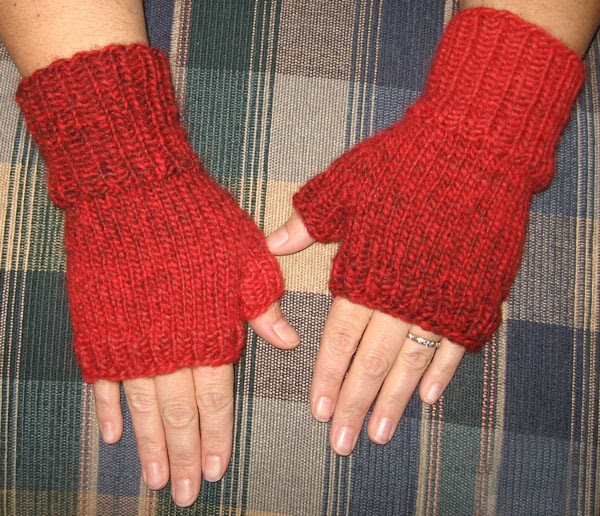 Knitting Pattern Easy Fingerless Gloves : Inspired: Free Pattern: Fast & Easy Fingerless Mitts