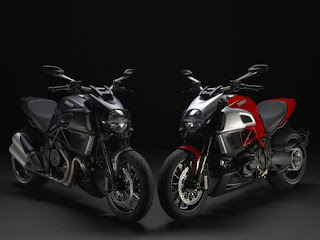 Motorcycle 2011 Ducati Diavel Carbon Edition Black&Red