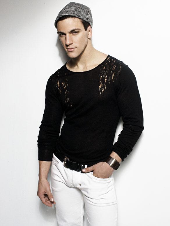 Bodybuilder Beautiful: Ray Santiesteban