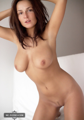 Big Brunettes natural breasts with