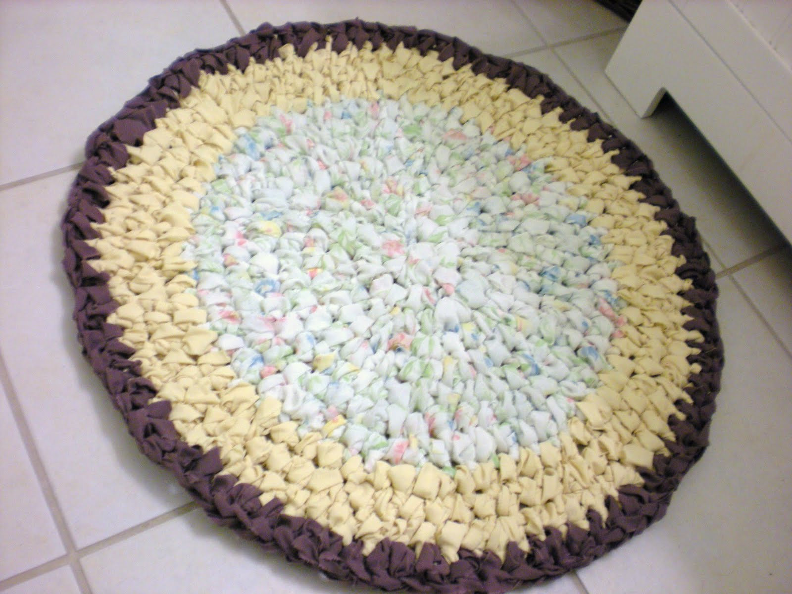 Crocheting Rag Rugs Tutorial : So I sat down and made some Rag yarn.