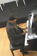 Satryo Sebagai Pianis