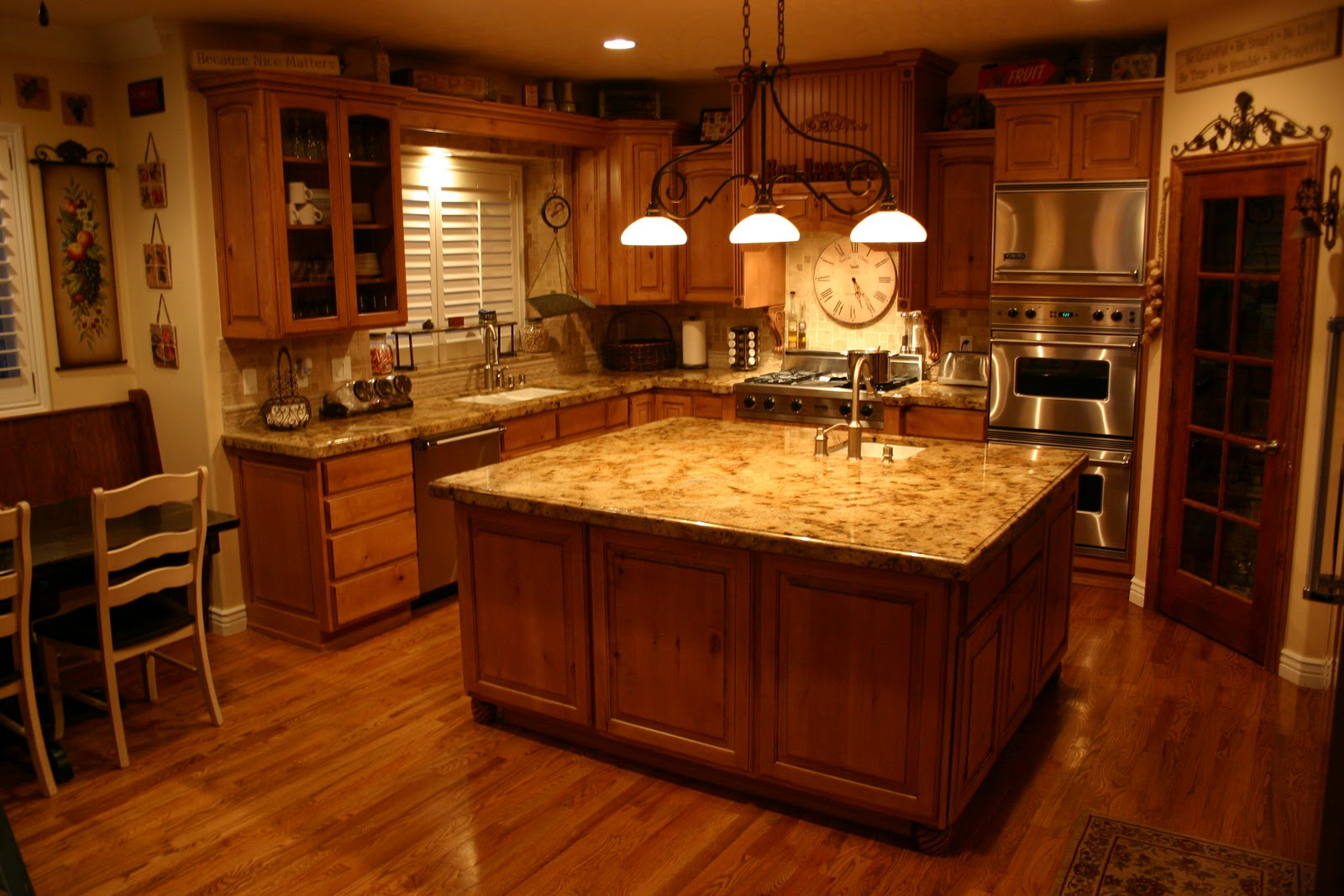 The Granite Gurus: Lapidus granite Kitchen