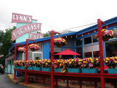 Domestic Ambitions: Lynn's Paradise Cafe