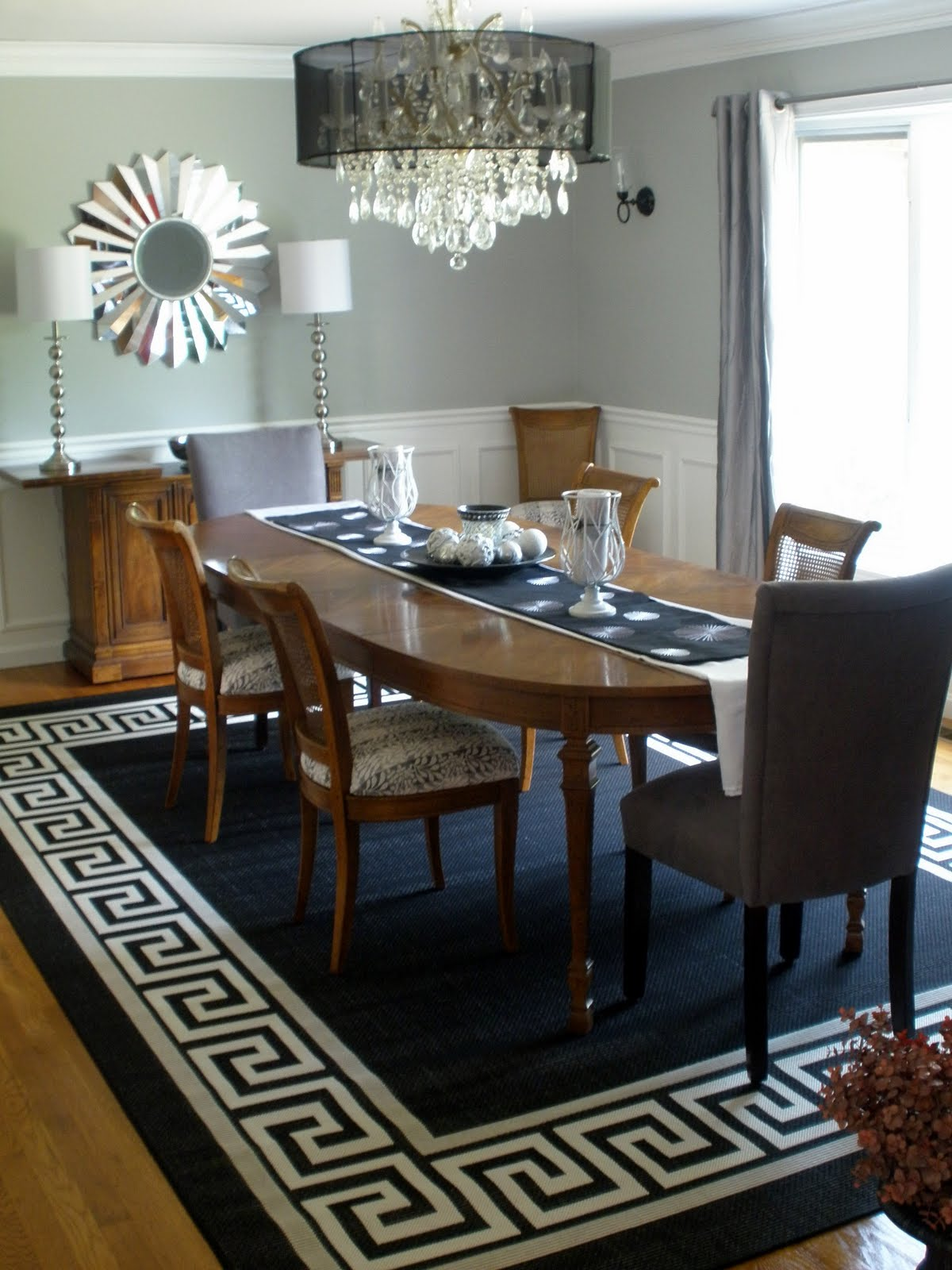 Living in the 513 chandelier revamp part 2 for Best rugs for dining room