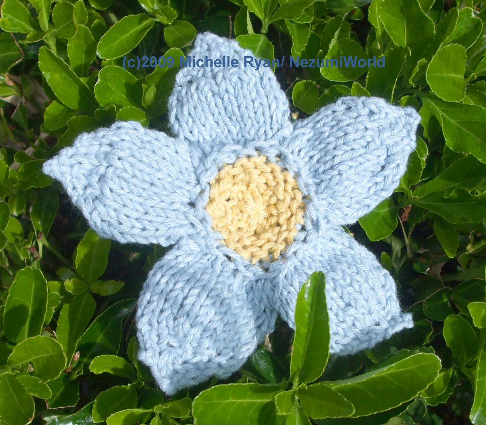 the handmade flower knitted flowers