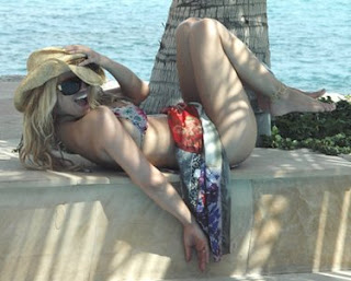 Sexy Jessica Simpson on the Beach