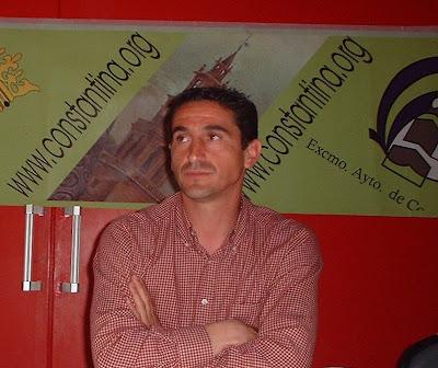 Manolo Jiménez en una charla técnica en Constantina