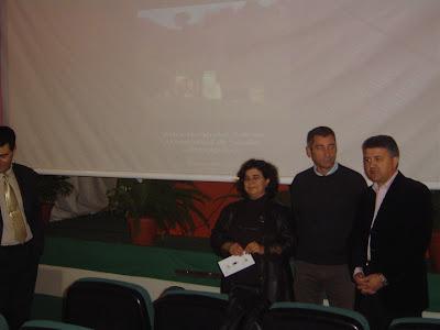 Ana Ávila, Víctor Fernández y Mario Martínez, Alcalde de Constantina, inaugurando las jornadas