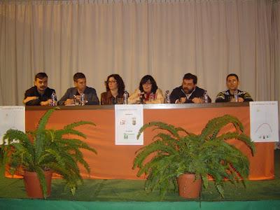 Mesa redonda con todos los ponentes