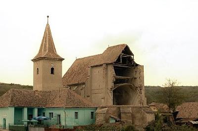 Biserica din Velţ