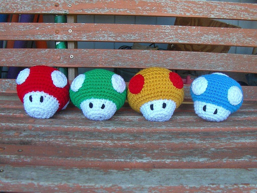 Amigurumi Super Mario Pattern : Blog de Goanna: Patron de Setas de Mario Bross en Amigurumi
