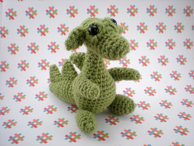 Free Crochet Pattern Dragon Toy : Blog de Goanna: Patron de Dragon en Amigurumi