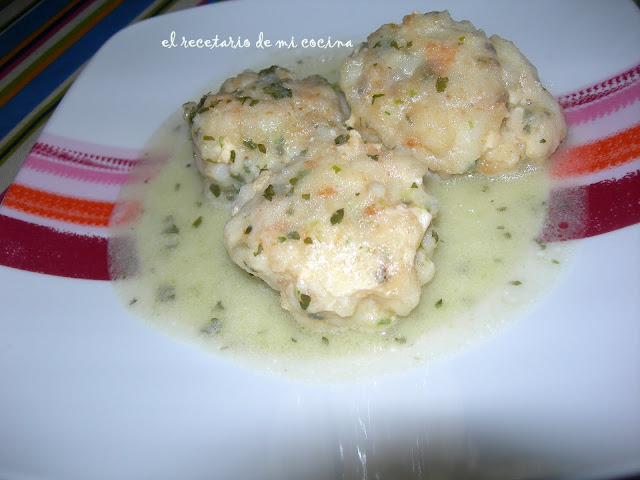 albondigas de bacalao en salsa verde