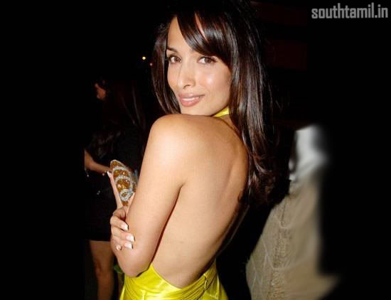 Random Hot Backless Pics of Bolly Babes