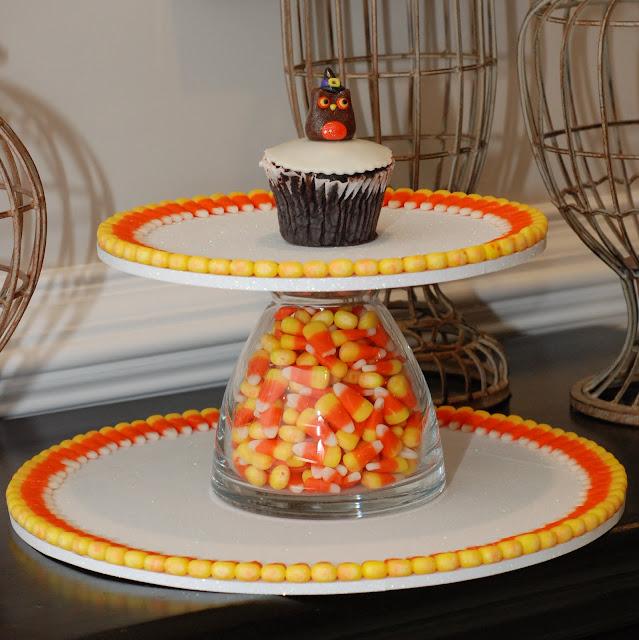 halloween day 24 cupcake stands - Halloween Cupcake Holder