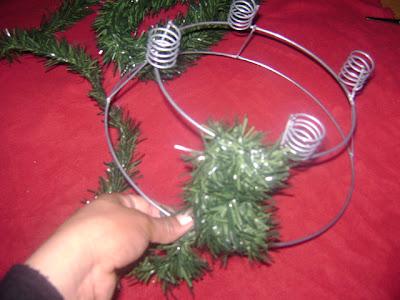 Navidad corona de adviento 2 manualidades mamaflor - Como decorar la corona de adviento ...
