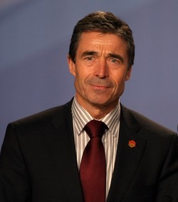Anders Fogh Rasmussen NATO Főtitkár, Jaap de Hoop Scheffer utóda (katt a képre)