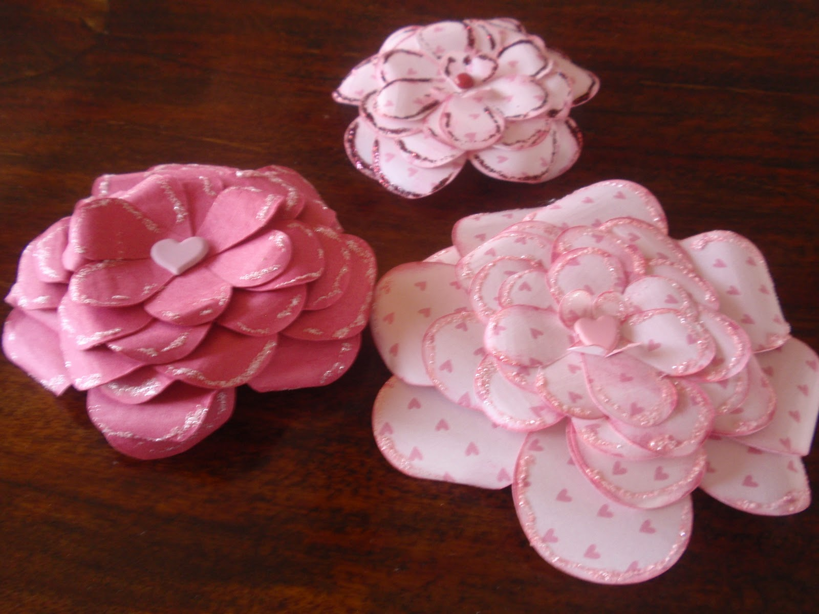 Sunshine Memories How To Make Pretty Paper Roses Out Of Heart Shapes