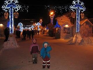 Новогодняя ярмарка перед Пушкинским театром