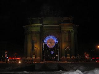 Новогодняя композиция Часы у Нарвских ворот