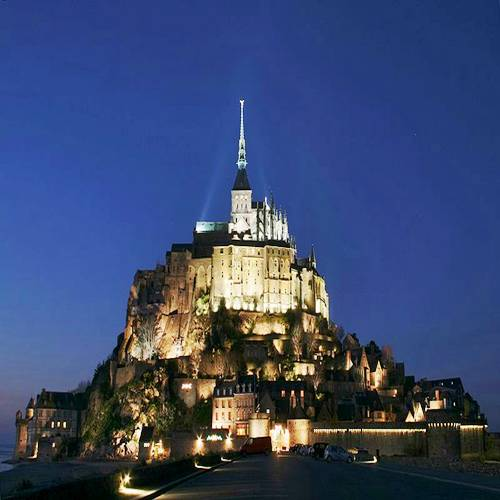 Mont Saint-Michel: a Medieval Castle on a Small Island