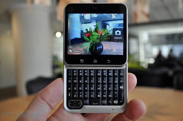 New Motorola FlipOut