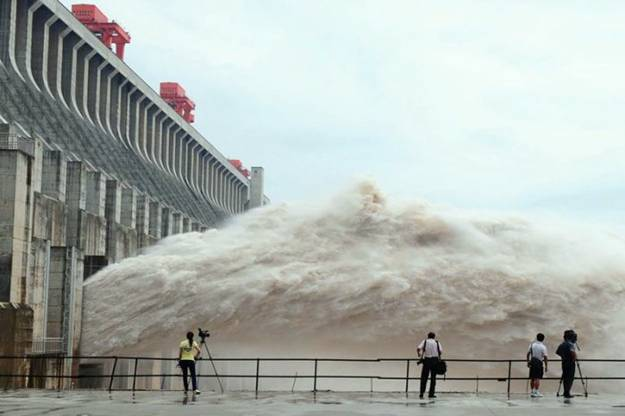 Worlds Largest Dam Pictures from China