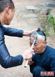 Cara GILA Orang China Potong Rambut