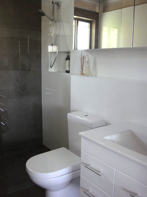 Paper tree studio ensuite before after for Ensuite bathroom designs