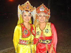 Pakaian Tradisi Suku Kaum Suluk