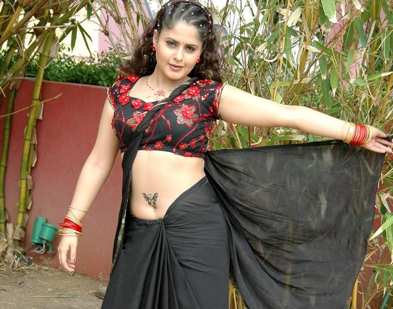 Farzana Hot In Black Blouse 9