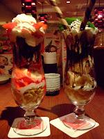 豪華草莓百匯&香蕉巧克力百匯
