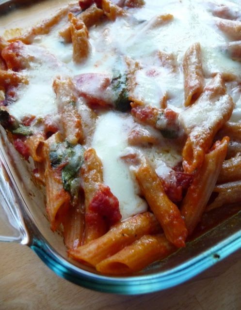 Christine's Cuisine: Baked pasta with sundried tomatoes and spinach