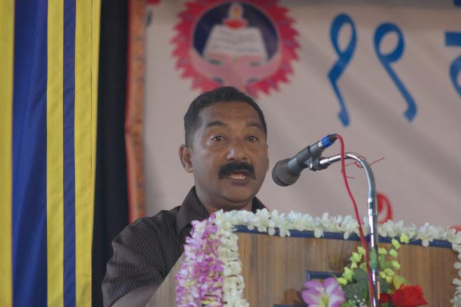 John Aguiar reciting his poetry at Kundapur