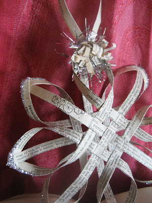 make a woven star from vintage book pages, tutorial part one