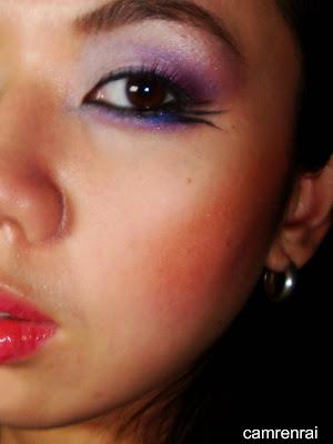 Face: Mac Studio fix powder foundation(nc25); clinique pearl bronzer(shade