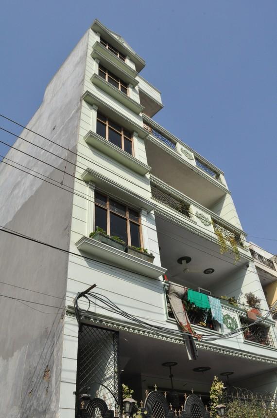 travels nagar delhi contact address