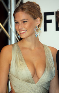 Bar Refaeli and Leonardo DiCaprio make a loved up couple