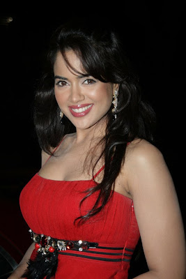 Sameera Reddy becomes Brand Ambassador for Rivaaz