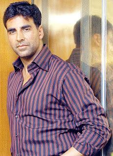 Akshay Kumar's designer outfit to be auctioned
