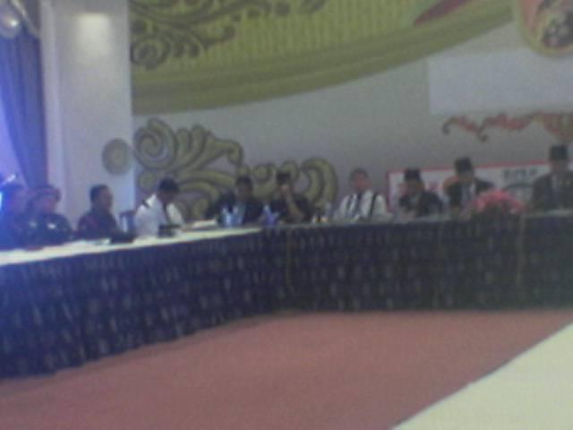 Kunjungan YB Menteri Hal Ehwal Dalam Negeri berbincang dengan semua Pengerusi Acara-Acara Perayan D