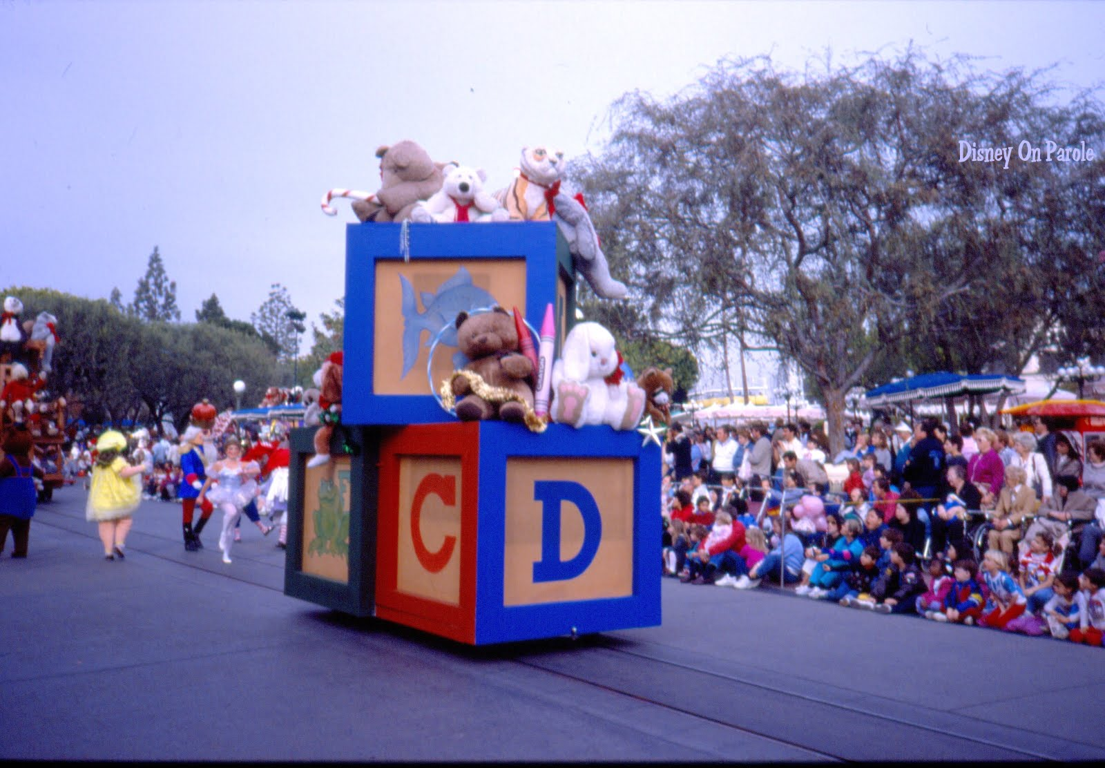disneyland christmas parade 1987 the toy unit the stick horse in this pile of toys was used in the mouseketeer show that was on