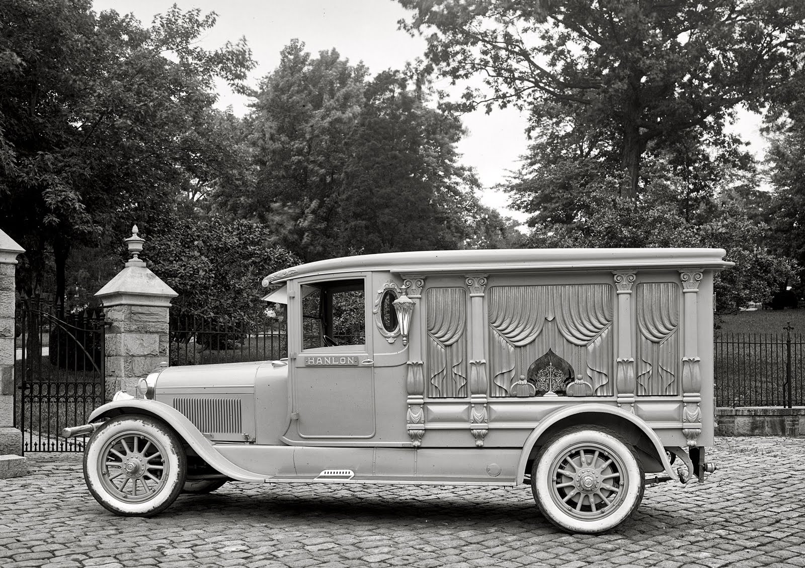 1924%20%20photo%20of%20Lincoln%20hearse.jpg