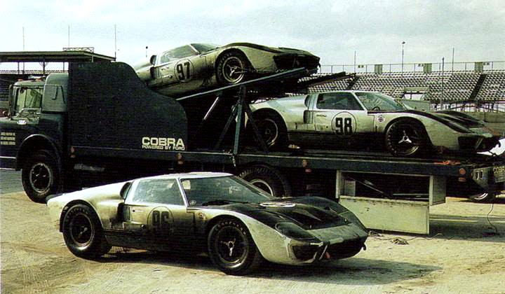 daytona 1966 three ford gt40 mkiis packed up and ready for sebring
