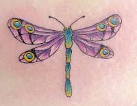 tatuagem libélula