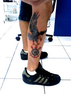 tattoo gavião timão