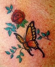 tattoo borboleta rosa