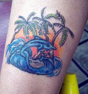tattoo golfinho praia